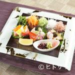 和食 浜木綿 - 季節の鮮魚を味わえる『造り盛り合わせ』