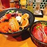 鮮魚鶏出汁麺 沢むら - 料理写真:ちらし麺 竹 900円 マグロ飯 350円