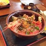 かねよし - 海鮮丼 700円