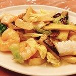 獅門酒楼 - 海老 帆立 イカと野菜の薄塩炒め