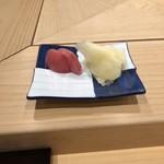 和田上 - ガリと赤かぶのお漬物