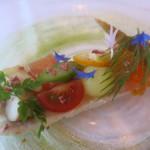 レストラン山崎 - タラバ蟹のテリーヌと旬の魚介いろいろとりんごの彩り