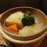 旗籠家 - 蒸し野菜(ジャガイモ、人参、ブロッコリー)