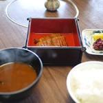 魚清楼 - 鰻蒲焼、ご飯、味噌汁