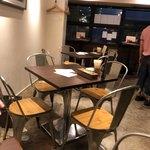 Ciao centro - 店内手前のテーブル席