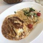 グラナータ - ラザニアとカジキマグロ、ズッキーニとミニトマトのスパゲッティ