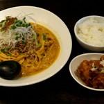 担担麺 胡 - 汁なし担坦麺(特大)+Dセット(唐揚げ+ごはん)