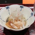 日本料理 晴山 - 冬瓜、焼きフカひれ炊き合わせ