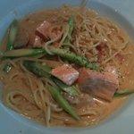 Italian オリーブ - 鮭とアスパラのクリームソース