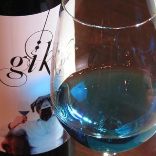 """ブルーワイン""""Gik""""、モルドバワインなど!ワインも充実◎"""