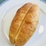 ボンパン - クリームサンド 珍しく甘い系のパン ナニコレ凄く美味しいんですけど✨