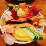 磯丸水産 藤沢南口本通り店 - 海鮮こぼれ丼