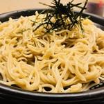 いっぱい喰い亭 - 極細麺が特徴的!