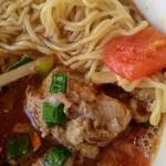 Restaurant μ - ぴりりん麺の麺と角煮アップ