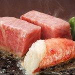 蟹工船 - 山形牛とたらば蟹の石焼