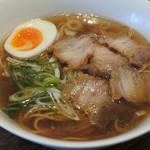 百々福 - 料理写真:しょうゆラー麺700円