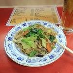 中華居酒屋 上海ママ料理 - 焼きそば&ビールで