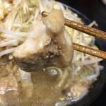 自家製太麺 ドカ盛 マッチョ - 焼豚あっぷ٩( 'ω、' )و