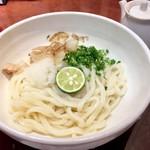 讃兵衛 - 料理写真:だし醤油うどん820円