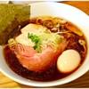 はざま - 料理写真:特製中華そば(醤油) 950円 鶏と醤油の旨味がぎゅぎゅっと♪