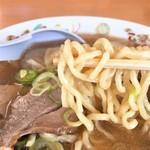 オーモリラーメン - ワンタンメン麺リフト