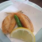 春帆楼 - ふぐの唐揚げ、カリッと揚げられて塩味が付いてるんでそのまま美味しくいただきました。