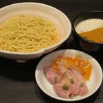 ラーメン大至 - パンプキンポタージュつけ麺890円