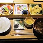 那古野 沢瀉食堂 - 沢瀉定食 1,000円(税込)。     2018.05.03