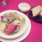 8593654 - 野菜サラダ・自家製フォカッチャ