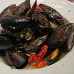 俺のフレンチ・イタリアン - 山盛りムール貝のアクアパッツァ仕立て