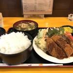 神戸一 - 料理写真:今日の日替わりランチ2種から、今回はミンチカツ定食です(2018.5.16)