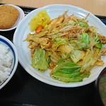 名谷パーキングエリア上り線 - 料理写真:味噌野菜炒め定食~♪