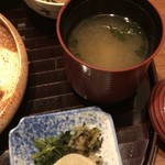 85937581 - 煮物の小鉢と香の物