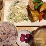 さち福や CAFE - 鶏と根菜の甘酢あんかけ