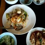 台湾料理 味源 - 八宝菜ランチ   680円