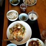 台湾料理 味源 - 八宝菜ランチ