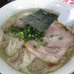 85945641 - 塩雲吞麺+煮玉子