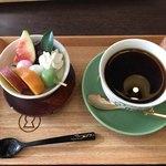 カフェ イロハ - IROHAかご弁当のデザートとコーヒー