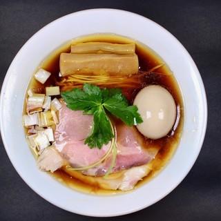 カネキッチン ヌードル - 料理写真:味玉醤油らぁめん