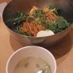 李朝園 - 超辛チョル麺にゎスープが付きます