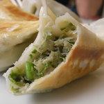 中華料理 栄香楼 - 町の中華屋の餃子のこの手の野菜餡は美味しいんだなぁ・・・