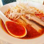 """四川 - 真っ赤な""""担々麺""""と変化したチャーシュー"""