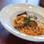 ヴェスタ - 【プリモピアット】、茄子(なす)の蕃茄(とまと)味(あぢ)意大利麪(パスタ)、スパゲティーニ