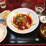 四川DINING 望蜀瀘 - 茹で鶏肉辛ソースかけ @880円