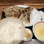 85953063 - 手作り餃子定食