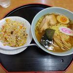 母里屋 - 半チャーハン+ラーメン 1026円