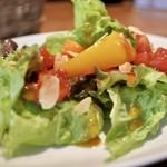 ピッツェリア ドゥエセッテ - ランチのサラダ