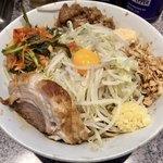 ラーメン 宮郎 - 「汁なしそば 並盛」(800円)+「ニラキムチ」(50円)