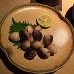 TAKASEGAWA - 銀杏炭焼は添えられた酢橘に一度付けてから塩を付けるという拘りようが秀逸