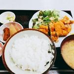 ゆたか食堂 - 日替わり チキンカツ定食